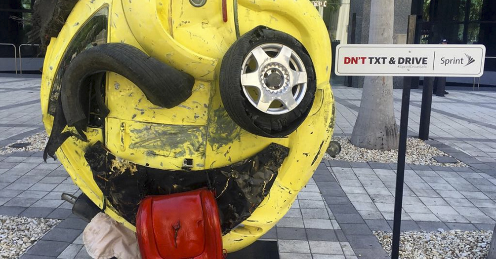 Company creates scary Emoji sculpture to alert sending SMS while driving!